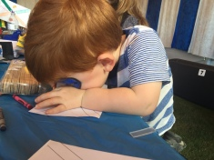 toddler-concentrating